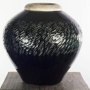 vaas kruik zwart robuust